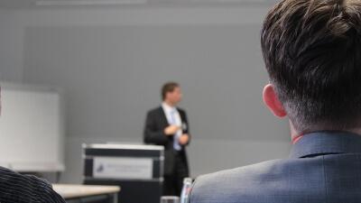Curso Universitario de Especialización en Argumentación y Persuasión