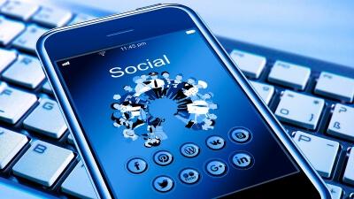 Curso Universitario de Especialización en Redes sociales, atención al cliente y posicionamiento empresarial